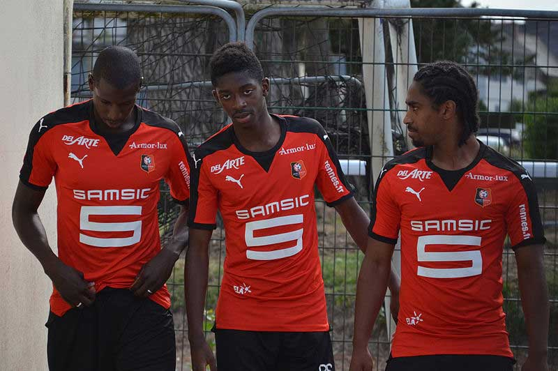 Ousamane Dembélé (centre) looks set to join Liverpool. (Photo by S. Plaine / CC-BY-SA-4.0)