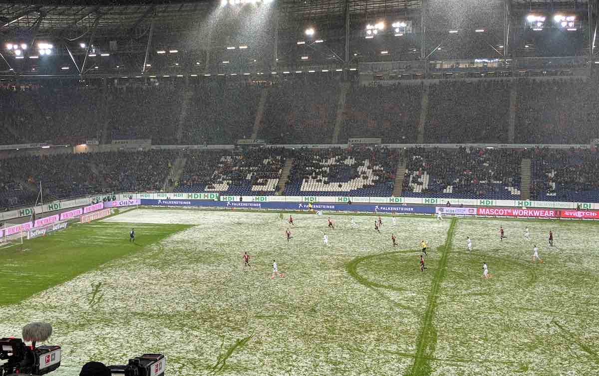 Bayer & Bravertz In Their Element In Hannover Snow