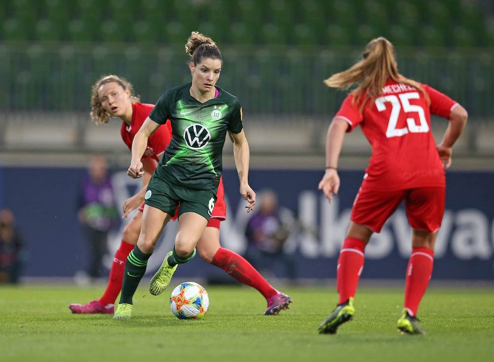 Dominique Bloodworth On Joining Wolfsburg And Playing Alongside Miedema