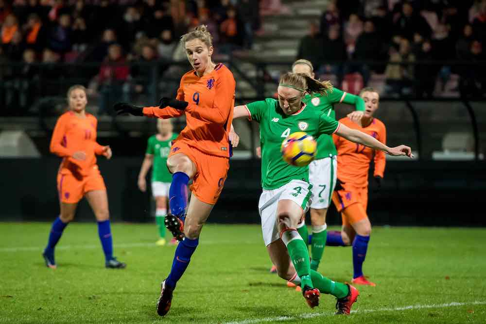 Louise Quinn Vivienne Miedema Ireland Netherlands