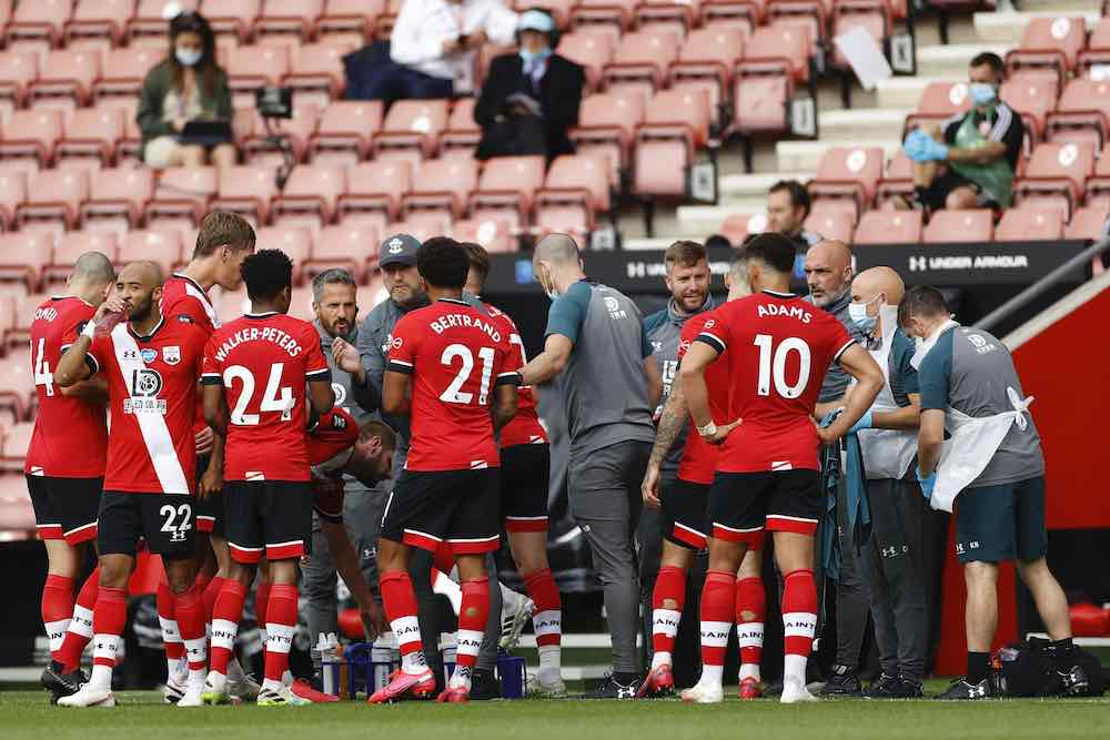 Empty Stadium Players Southampton Behind Closed Doors Drinks Break