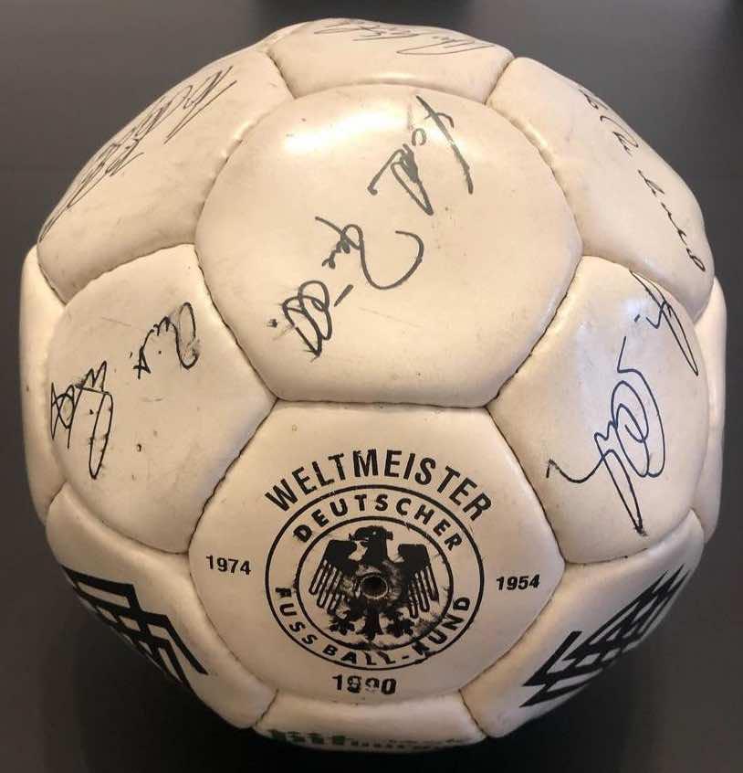 1990 World Cup final match ball signed